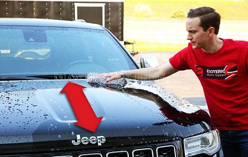 Rửa xe theo chiều từ trên xuống