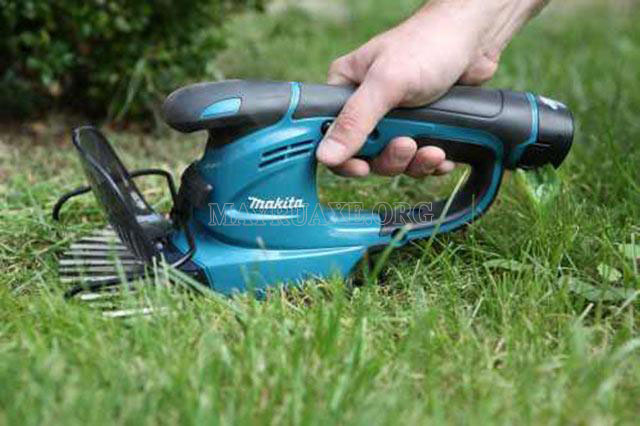 Máy cắt cỏ cầm tay Makita