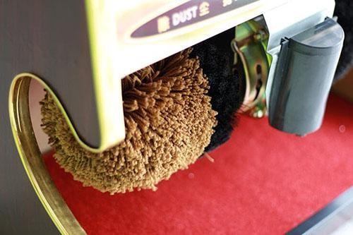 Chất liệu sử dụng để kết cấu thành chổi đánh giày từ lông mịn