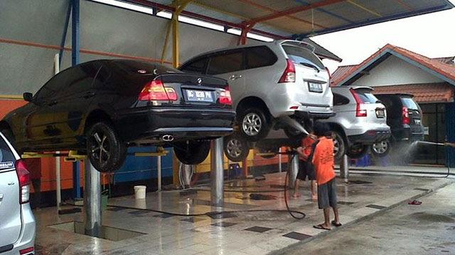 Cầu nâng rửa xe của Ấn Độ được đánh giá cao trên thị trường hiện nay